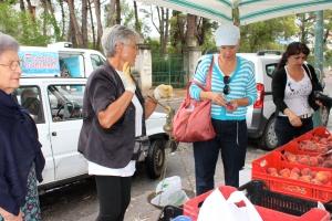 Shopping in Scalea